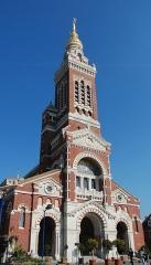 Basilique de Notre-Dame-de-Brébières - Nederlands: basiliek Notre-Dame de Brebières in Albert, Frankrijk