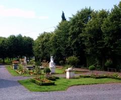Musée Lombart -  Doullens (Somme, France).   Jardin du Musée Lombart.
