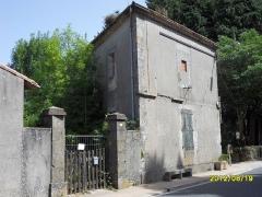 Canal du Midi : tunnel des Cammazes - Français:   La Maison du Garde de la Voûte, construite en 1847; état en 2012.
