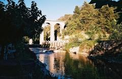 Pont-aqueduc de Galas (ouvrage d'art du canal de Carpentras) -  Viaduc du Canal de Carpentras, fontaine Vaucluse, France