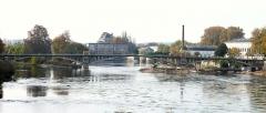 Pont Camille-de-Hogues - Français:   Châtellerault - Pont Camille-de-Hogues vu de l\'aval et la Manufacture