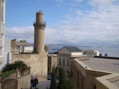 """Ancienne distillerie-usine de mise en bouteille dite """"usine Clacquesin"""" - English: Baku - Old Town"""