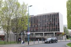 Bourse départementale du Travail - Français:   Bourse départementale du travail, Bobigny.