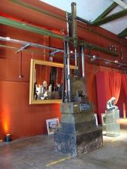 Usine de l'Orfèvrerie Christofle - Français:   Marteau pneumatique ayant servi dans l\'usine Christofle de Saint-Denis