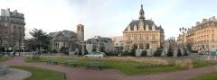 Hôtel de ville de Vincennes - English: Panoramic picture of Vincennes Church and Vincennes City Hall - France