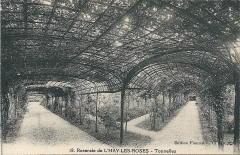 Roseraie du conseil général du Val-de-Marne, ancienne roseraie Gravereaux - Français:   Carte postale de la Roseraie de L\'Haÿ-les-Roses (Seine-et-Oise, France), aujourd'hui du Val-de-Marne, vers 1925