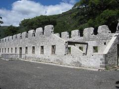 Lazarets de La Grande Chaloupe - English:   former quarentine station of Lazaretto Grande Chaloupe, Réunion - dormitory No. 1