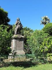 Statue de François Mahé de La Bourdonnais - Deutsch: Saint-Denis, Barachois: Denkmal für Mahé de Labourdonnais