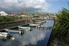 Bassin de radoub, situé dans le port de Saint-Pierre - English: Harbour of Saint-Pierre-de-la-Réunion (the old basin)