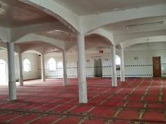 Mosquée du 16e siècle - Français:   Intérieur de la mosquée de Tsingoni (Mayotte), salle de prière à l\'étage de l\'extension.