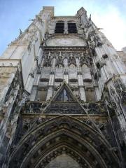 Cathédrale Saint-Pierre Saint-Paul - Français:   Cathédrale Saint-Pierre-et-Saint Paul de Troyes (Aube, France): tour