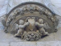 Eglise Saint-Jean - Église Saint-Jean-du-Marché de Troyes (Aube, France): cul-de-lampe du flanc nord-ouest, rue Molé