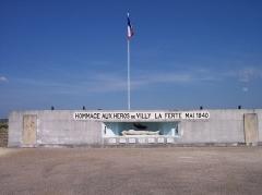 Fortifications de la ligne Maginot dites Ouvrage de la Ferté (également sur commune de Villy) - Français:   Monument aux morts - fort de Villy-la Ferté