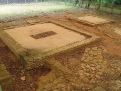 Temple antique du type «fanum» -  gallo romain rests near Dun-sur-Meuse