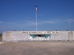 Fortifications de la ligne Maginot dites Ouvrages de la Ferté - Français:   Monument aux morts - fort de Villy-la Ferté