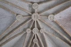 Eglise Saint-Symphorien - Deutsch: Katholische Kirche Saint-Symphorien in Ponthion im Département Marne in der Region Grand Est/Frankreich, Innenraum, Gewölbe