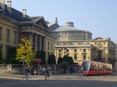 Ancien hôtel-Dieu, actuellement annexe du palais de justice - Palais de justice de Reims (Marne, France), opéra et tramway