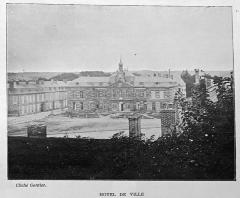 Hôtel de ville - Français:   extrait de la \