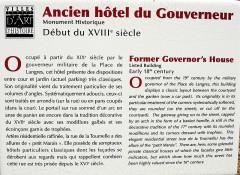 Hôtel du Gouvernement - Français:   Panneau informatif