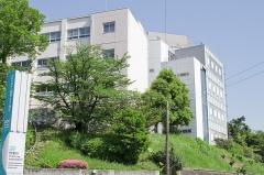 Chapelle Saint-Berchaire - 日本語: 至学館大学正門付近