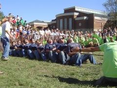 Croix du 17s située dans le cimetière - English: 2004 Greek Week Puddle Pull at Miami University - Delta Upsilon team