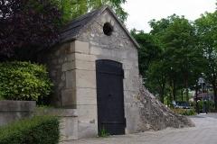 Aqueduc des Eaux de Rungis (également sur communes de Rungis, Fresnes, L'Hay-les-Roses, Cachan, Arcueil et Paris 14) - Français:   Regard de la Pirouette, Rungis.