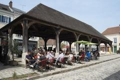 Halle - Deutsch: Markthalle in Luzarches im Département Val-d'Oise (Île-de-France/Frankreich)