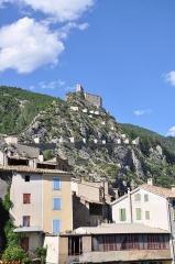 Fortifications et citadelle - Citadelle surplombant Entrevaux