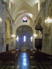 Eglise Notre-Dame-de-Romigier - Français:   Nef de l\'église Notre Dme de Romigier, Manosque, France