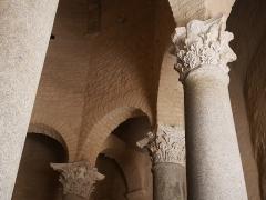 Baptistère dit le Panthéon (chapelle circulaire) - Deutsch: Baptistère de Riez Kapitelle
