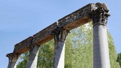 Quatre colonnes antiques surmontées d'un entablement - Deutsch:   Blick auf den Römischen Tempel in Riez, (France )