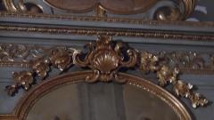 Eglise - Français:   A environ 4,5m de haut