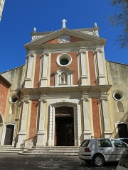 Eglise paroissiale, chapelle Saint-Esprit et tour Grimaldi - English: Facade of the cathedral of Antibes (Alpes-Maritimes, France).