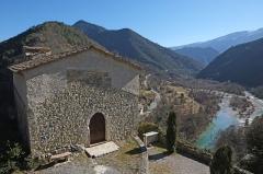 Eglise Sainte-Pétronille - Français:   L\'église Sainte-Pétronille de Roquestéron-Grasse et l\'Estéron.