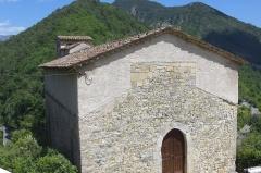 Eglise Sainte-Pétronille - Français:   La Roque-en-Provence, église côté Ouest
