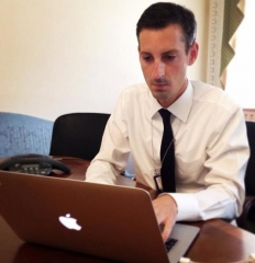 Maison - Ned Price at @NSCPress answering your questions during today's #USAfricaChat with the @ONECampaign.