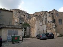 Abbaye Saint-Honorat (vestiges de l'ancienne) - English:   Former Abbaye Saint-Honorat, Tarascon. Back of the remaining building.