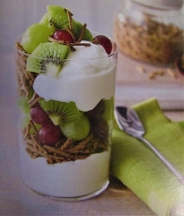 Maison - English: A breakfast course of a fruit, bran stick and yogurt parfait prepared in a kitchen in the village of Trimingham, Norfolk, England.