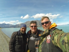 Eglise paroissiale Saint-Martin - English: Three great friends stop for a photo at a crystal clear lake in the Yukon Territory hundreds of miles away from civilization