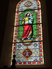 Eglise Saint-Martin et Sainte-Croix - Français:   Vitrail (Saint-Joseph) de l\'église Sainte-Croix d\'Allas-les-Mines (Dordogne)