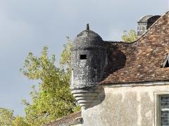 Château d'Aucors - Français:   L\'échauguette ouest du château d\'Aucors, commune déléguée de Beaussac, commune nouvelle de Mareuil en Périgord, Dordogne, France.