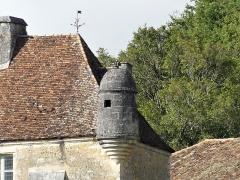 Château d'Aucors - Français:   L\'échauguette orientale du château d\'Aucors, commune déléguée de Beaussac, commune nouvelle de Mareuil en Périgord, Dordogne, France.