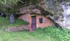Abri à sculpture dit Abri du Poisson et abri Lartet - English:   The Abri du Poisson Cave in Dordogne, France. A UNESCO World Heritage Site.