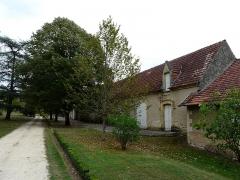 Château de Monsec - Français:   Dépendances du château de Monsec à Mouzens, Dordogne, France.
