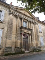 Château - Français:   Portail du château de Saint-Cyprien (Dordogne)