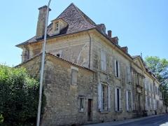 Château - Français:   Saint-Cyprien - Château - Façade sur la rue Gambetta