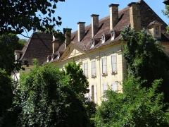 Château - Français:   Saint-Cyprien - Château - Façade sur le parc