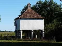 Domaine du Château de Bridoire - Français:   Le pigeonnier du château de Bridoire, Ribagnac, Dordogne, France