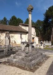 Croix de cimetière - Français:   Croix du Cimetière de Mons, Belin-Béliet