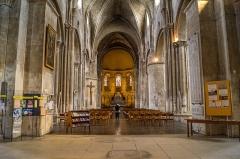 Eglise Sainte-Croix -  Intérieur de l'église Sainte-Croix à Bordeaux.